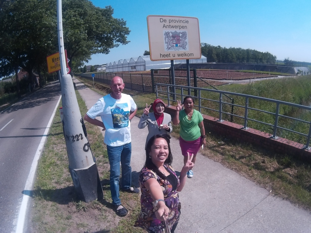 That's the pole border between Antwerp (Belgium) & Zundert (Netherlands) where I made come true one of my silly wish